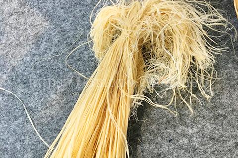 能登で作られる麻糸を原糸として織られる近江上布とは